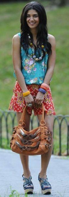 gossip girl - vanessa - love the colour and print combo