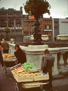 O Connell Bridge 1972 Old Pictures, Old Photos, Ivy Rose, Images Of Ireland, Irish People, Dublin City, Book Of Life, Back In The Day, Bridge