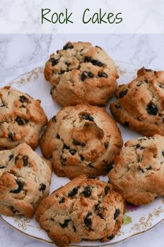 Rock Buns are quick and easy to make and great with tea or coffee. Ideal for children, just weigh, mix, divide and cook. Dessert Cake Recipes, Delicious Cake Recipes, Yummy Cakes, Yummy Yummy, Desserts, Cookie Dough Recipes, Baking Recipes, Bread Recipes, Bun Recipe