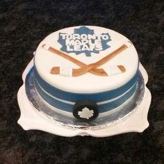 Toronto maple leaves hockey cake