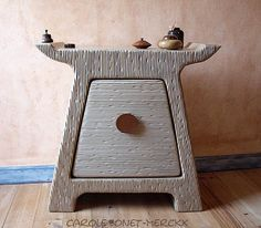 Petit buffet. Meuble en carton zen de Carole Louise: un autre coup d'coeur! Superbe création, Bravo!