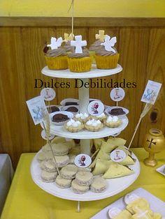 Dulces debilidades,Catering de mesas dulces Ambientadas: PRIMERA COMUNIÓN DE URIEL!