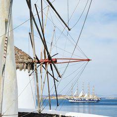"""Chapelle au bord de l'eau à #hydra. — Small #church by the sea in Hydra. — #travel_greece…"""