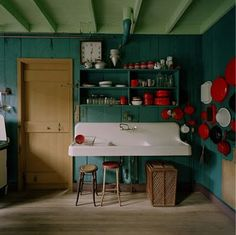 Love mixing teal and RED