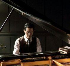 Lee Jung Jae in The Housemaid (2010)
