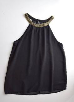 Kaufe meinen Artikel bei #Kleiderkreisel http://www.kleiderkreisel.de/damenmode/blusen/151731571-zara-schwarzes-neckholder-top-mit-perlen-verzierung-gr-sm