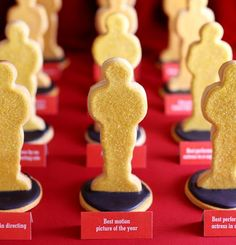 These super fun oscar cookies would be excellent place cards or favors! Source and tutorial