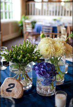 This charming trio of wedding flowers consists of green hypericum, white dahlias and blue hydrangea. These flowers are great as DIY wedding flowers as they are easy to arrange, affordable and available year-round on GrowersBox.com!