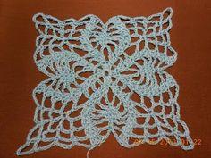 Cómo tejer un cuadrado con hojas a crochet - YouTube