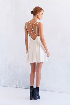 White Coctel Camisole Spaghetti Strap- Backless Pleated Dress