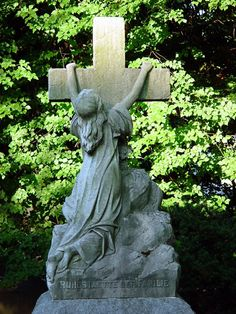 This is very touching, actually. Cemetery Monuments, Cemetery Statues, Cemetery Art, Old Cemeteries, Graveyards, Woodlawn Bronx, Woodlawn Cemetery, Turn To Stone, Famous Graves