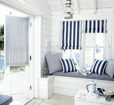 une jolie variante de décoration marine dans la maison bord de mer