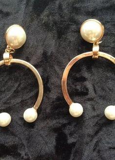 Kupuj mé předměty na #vinted http://www.vinted.cz/doplnky/nausnice/16378367-originalni-zlate-perlove-nausnice
