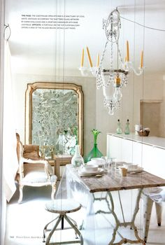 voguelivingmagazine: A vision in white, the dining room of Jacqueline Morabito with its distinctive cracked mirror graced the cover of Vogue Living's Sept/Oct 2010 issue. Photograph by Martin Morrell. Interior Garden, Home Interior, Interior Design, Interior Decorating, Dining Room Inspiration, Design Inspiration, Interior Inspiration, Home Modern, Vogue Living