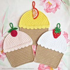 042 Crochet Pattern Cupcakes Decor or Potholder di LittleOwlsHut