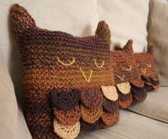 A Parliament of Sleepy Owls #kollabora #knitting #diy