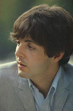 How is it possible for a man to be pretty because Paul McMuffin is pretty << This caption! XD