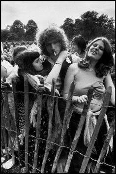 The English Pop Festival , Hyde Park . Vintage Photographs, Vintage Photos, Woodstock Hippies, Woodstock Concert, Woodstock Festival, Ian Berry, Woodstock Photos, Pagan Festivals, Vintage Photo Booths