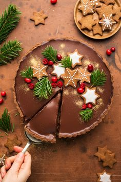 Christmas dessert or teatime bakes , Gingerbread amaretto chocolate tart - Lazy Cat Kitchen Vegan Christmas, Christmas Sweets, Christmas Cooking, Noel Christmas, Christmas Goodies, Christmas Cakes, Christmas Gingerbread, Chocolate Christmas Cake, Christmas Cake Decorations
