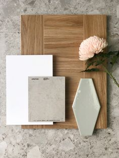 A deep yellow-brown natural oak colour with grey undertones and cathedral grain features throughout Mood Board Interior, Interior Design Boards, Interior Color Schemes, Colour Schemes, Material Board, Oak Color, Tile Design, Classic White, Colorful Interiors