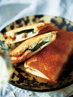 Recipe : ツナとモッツァレッラのホットサンド #レシピ #サンドイッチ