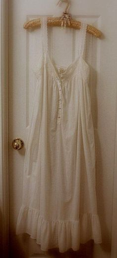 Modern nightgown - good photo. Baby DollsNight GownLounge ... 7fe05d78e