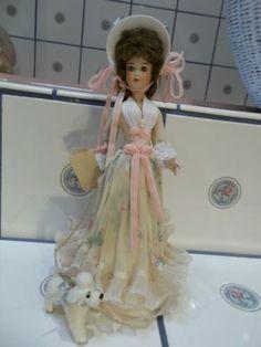 Valentines-Ladies-Porcelain-Fleurette-Doll-1984-15