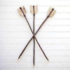 fabriquer un arc et des fl ches bricolage enfant pinterest la fleche arcs de tir et fl che. Black Bedroom Furniture Sets. Home Design Ideas