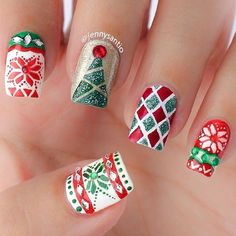 31 christmas nail art designs - click the picture to see them all! Talleres de uñas divertidas para navidad