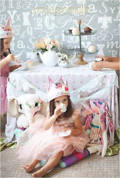 Amie Pendle Photography family portraits, home lifestyle, shabby chic. twins, twin girls, husband & wife, lifestyle portraits, family photo, tea party crowns, cupcakes