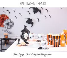 Halloween Treats - haunted hot cocoa, poisonous popcorn and skull sandwich cookies | Kim Byers, TheCelebrationShoppe.com and @costplusworldmarket #WorldMarketTribe #halloweenideas