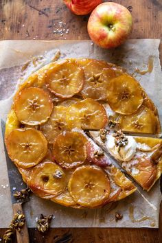 Salted Maple Apple Tarte Tatin with Cinnamon Pumpkin Seeds...a show stopping look with minimal effort...the best way to kick off apple season! Apple Tarte, Apple Recipes, Fall Recipes, Dessert Crepes, Toasted Pumpkin Seeds, Half Baked Harvest, Le Diner, Delish, Sweet Tooth