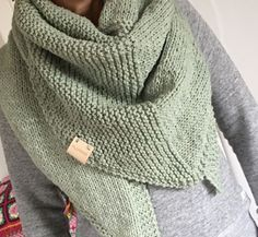 Best Ideas For Crochet Ganchillo Ponchos Crochet Wool, Crochet Shawl, Diy Crochet, Vintage Crochet, Knitted Shawls, Crochet Scarves, Crochet Clothes, Make Your Own Clothes, Knitwear