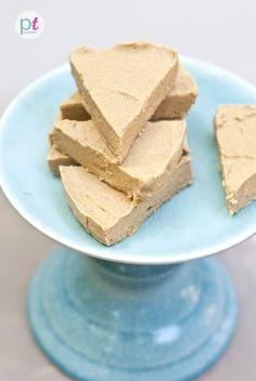 vegan, gluten-free pumpkin pie fudge: main ingredients are pureed pumpkin and coconut butter, YUM!