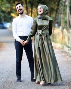 Dress Designs Casual In Pakistan - Dress Hijab Style Dress, Hijab Wedding Dresses, Wedding Dress Trends, Dress Wedding, Beautiful Dress Designs, Most Beautiful Dresses, Simple Pakistani Dresses, Simple Dresses, Hijab Evening Dress