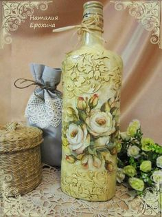 Resultado de imagem para how to fabric decoupage wine bottle Recycled Glass Bottles, Painted Wine Bottles, Vintage Bottles, Bottles And Jars, Decorated Bottles, Wine Bottle Art, Diy Bottle, Wine Bottle Crafts, Decoupage Glass
