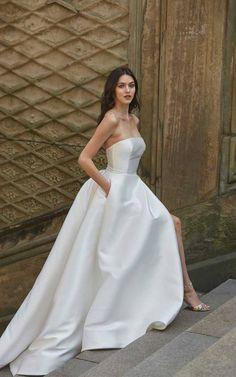 Strapless Lace Wedding Dress, White Bridal Dresses, Princess Wedding Dresses, Dream Wedding Dresses, Sweetheart Wedding Dress, Designer Wedding Dresses, Gown Wedding, Dress Lace, Cocktail Wedding Dress