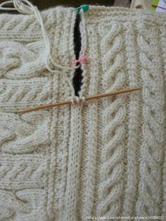 Joining blanket square Cast on three stitches on dpn. Slip last stitch to rh nee. Joining blanket square Cast on three stitches on dpn. Slip last stitch to rh needle, pick up edge stick, pass slip stitc. Knitting Help, Knitting Stitches, Knitting Patterns Free, Knit Patterns, Hand Knitting, Stitch Patterns, Knitting Designs, Loom Knitting Blanket, Free Pattern