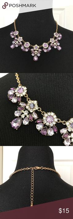 FOREVER 21 Purple Gemstone Statement Necklace Gorgeous shades of purple statement necklace with gold tone hardware. Excellent used condition. Pet/Smoke free home. Forever 21 Jewelry Necklaces