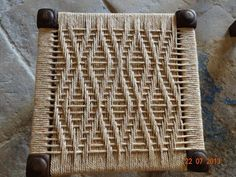 The Beauty of DIY Weave Furniture, Handmade Furniture Design Ideas Weaving Projects, Weaving Art, Weaving Patterns, Wicker Furniture, Diy Furniture, Furniture Design, Furniture Plans, Chaise Diy, Macrame Chairs