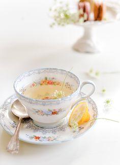#food photography #food styling #vintage cup #chamomile tea with lemon #inspiration | Elizabeth Gaubeka Photography
