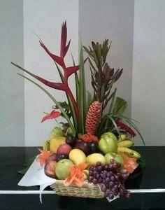 Flower Arrangements Simple, Fruit Arrangements, Fruit Decorations, Thanksgiving Decorations, Fruit Flower Basket, La Trattoria, Fruit Crafts, Church Flowers, Fruit Displays