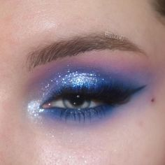 Blue Makeup by Makeup Eye Looks, Eye Makeup Art, Cute Makeup, Pretty Makeup, Skin Makeup, Eyeshadow Makeup, Emo Makeup, Eyebrow Makeup, Eyeshadows