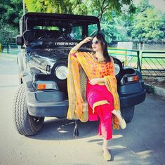 Cute Couple Images, Cute Couple Poses, Cute Girl Poses, Cute Couples, Cute Girls, Punjabi Girls, Punjabi Dress, Punjabi Suits, Girl Pictures