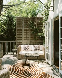 Brown, white, and green - Outdoor space - Patio - Zebra rug - love the old shutters Outdoor Rooms, Outdoor Living, Outdoor Decor, Indoor Outdoor, Ar Fresco, Outdoor Patio Designs, Patio Ideas, Pergola Ideas, Design Patio