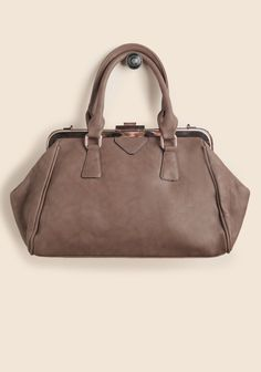 Avery Structured Purse http://rstyle.me/~1hkIP