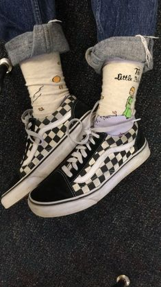 Sneakers Femme Chaussette Ideas Source by shoes Aesthetic Shoes, Aesthetic Clothes, Mode Vintage, Vintage Grunge, Sock Shoes, Vans Shoes, Mode Rock, Cute Socks, Skater Girls