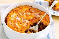 Cottage Pie - Sweet potato gives an interesting flavour twist to this classic family favourite. Cottage Pie Sweet Potato, Sweet Potato Shepards Pie, Mince Recipes, Beef Recipes, Cooking Recipes, Cooking Time, Easy Recipes, Vegetarian Recipes, Chorizo And Potato