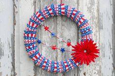 Patriotic Cupcake Liner Wreath | eHow