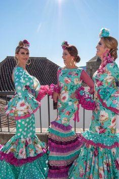 Ejemplos de Tocados Trajes de Gitanas Fernan Nuñez Cuarta Parte Flamenco Costume, Flamenco Dancers, Dance Costumes, Flamenco Dresses, Costumes Around The World, Virtuous Woman, African Dress, Traditional Outfits, Indian Outfits